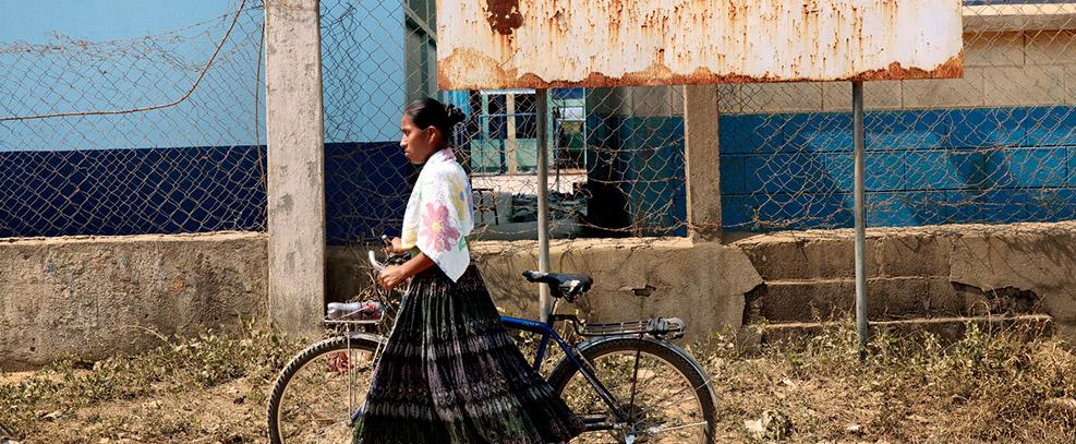 Las medidas de austeridad y los recortes golpean más fuerte a las mujeres, dice Experto ONU